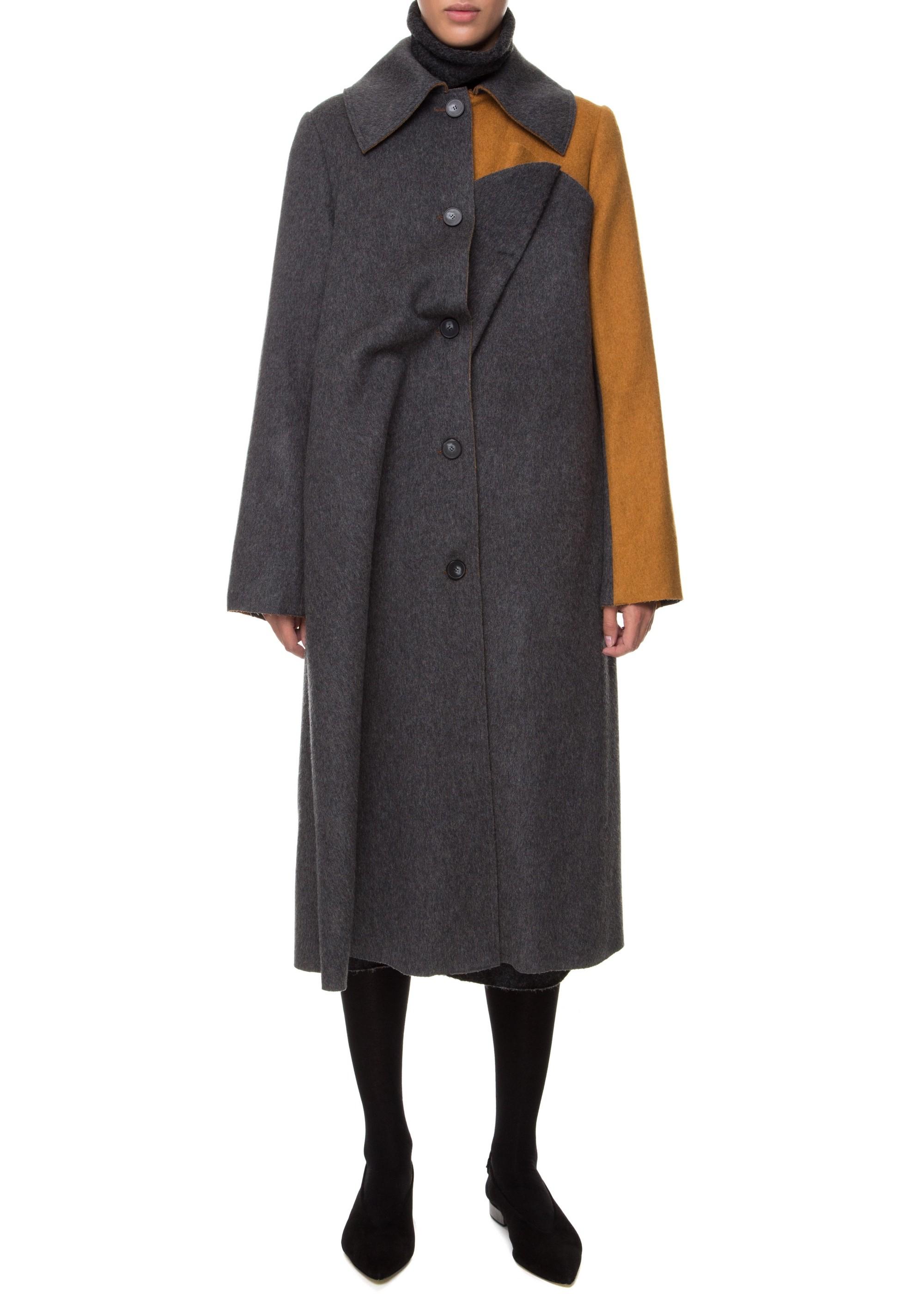 Пальто со складкой