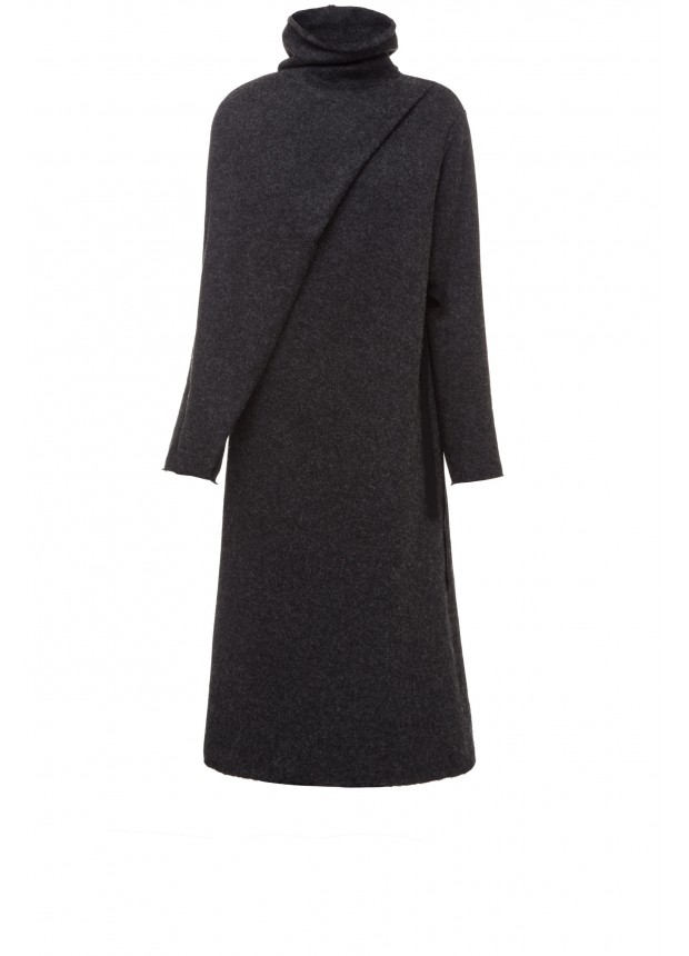 Трикотажное платье со складкой