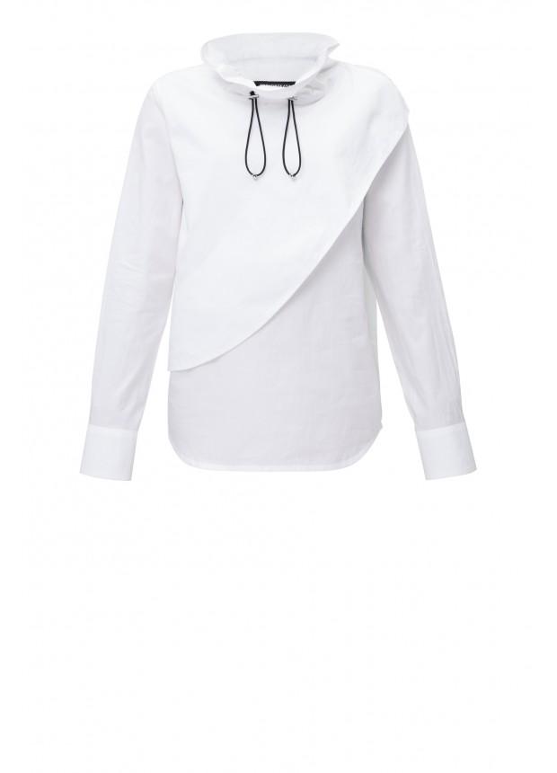 Блузка с объемным воротником